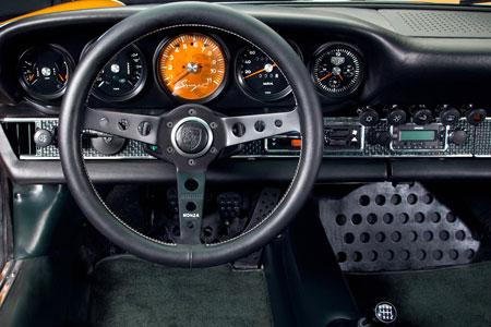 singer-porsche-911-interior