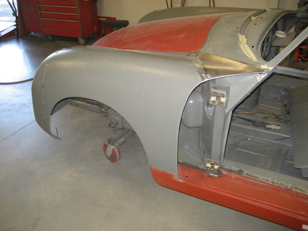 http://www.autobahnbound.com/wp-content/uploads/2010/10/porsche-356-1957-cabriolet-restoration-83-1024x768.jpg