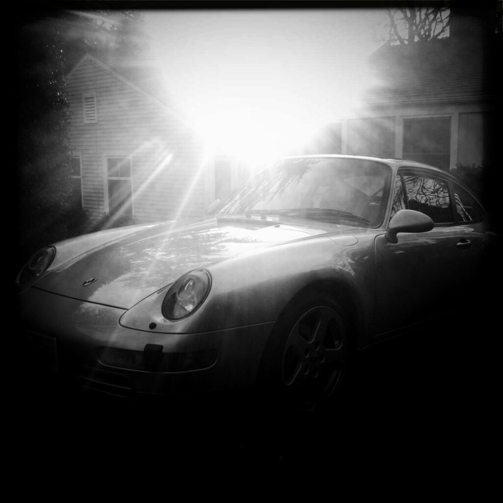 porsche 911 black and white