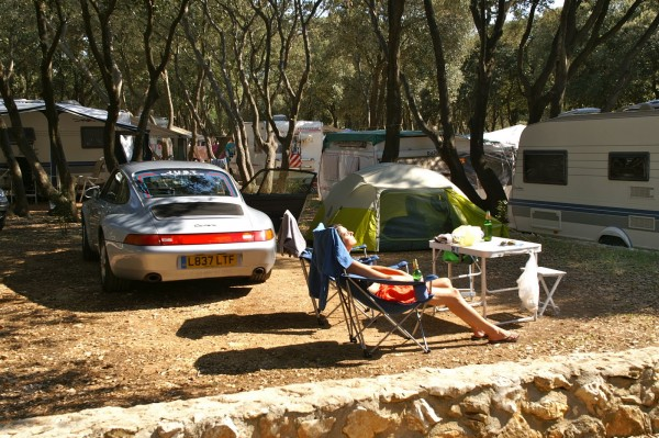 Porsche camping in style